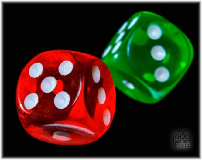 Red and green dices